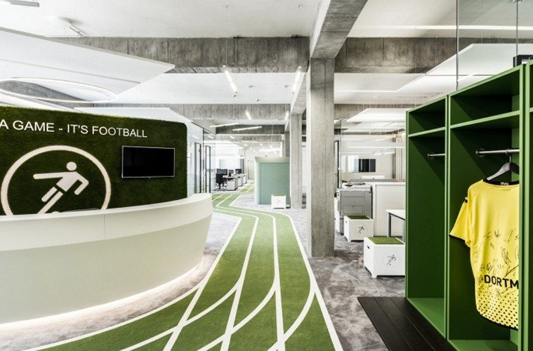Onefootball-Office 10 Offices that Perfectly Reflect Their Brand Inspiration