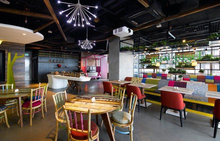 google-cafeteria Amazing Office Cafeterias Design Ideas Inspiration