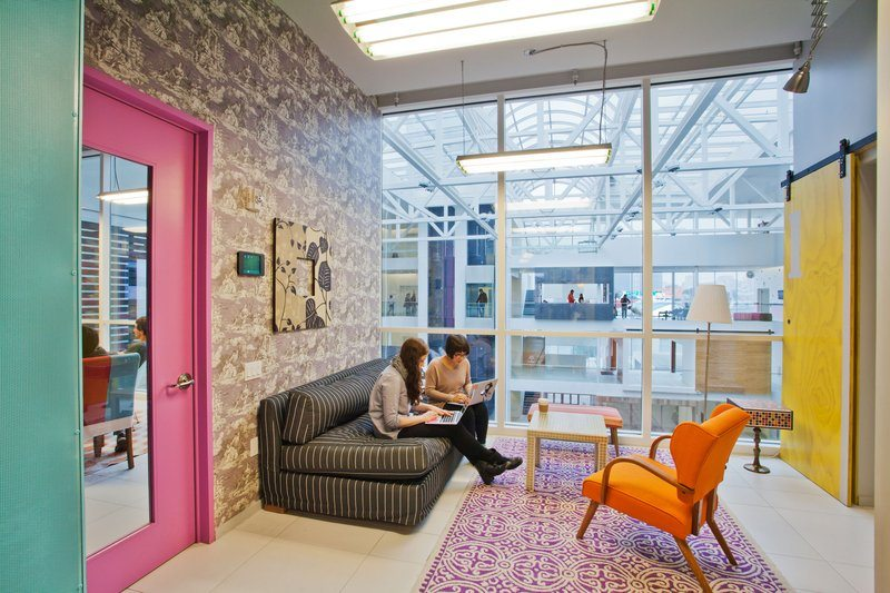 Airbnb_10 5 Amazing Offices that Will Make You Want to Work Overtime Inspiration