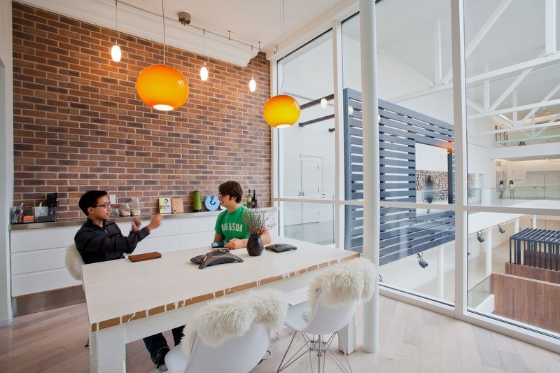 Airbnb_14 5 Amazing Offices that Will Make You Want to Work Overtime Inspiration