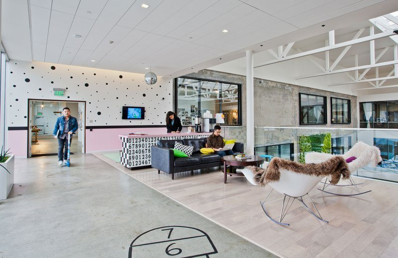 Airbnb_16 5 Amazing Offices that Will Make You Want to Work Overtime Inspiration