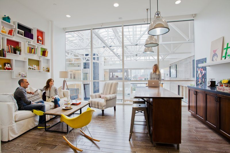 Airbnb_3 5 Amazing Offices that Will Make You Want to Work Overtime Inspiration