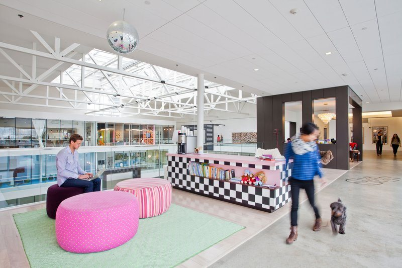 Airbnb_5 5 Amazing Offices that Will Make You Want to Work Overtime Inspiration