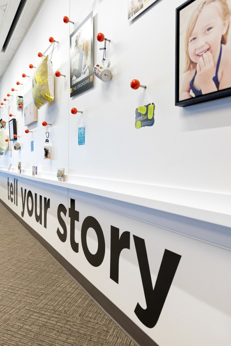 shutterfly-gensler-office-design-1-700x1047 9 Offices with Unforgettable Wall Art Design Design Ideas Inspiration