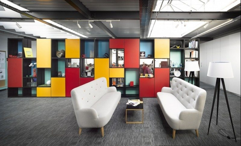 uniform-office-design-3-700x425 9 Offices with Unforgettable Wall Art Design Design Ideas Inspiration