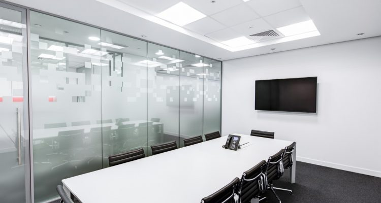 black-and-white-boardroom-ceiling-260689-750x400 Executive Office Chair Buying Guide Future of Work Inspiration Offices We Love Products Reviews Seating